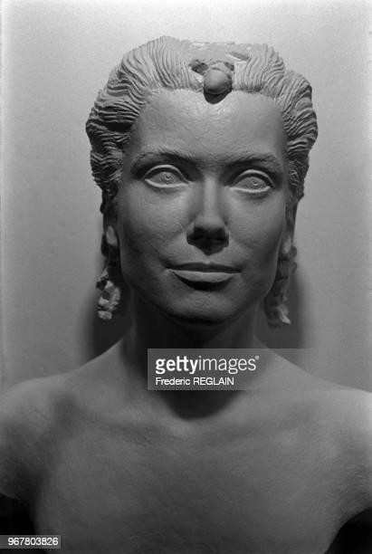 Exposition des bustes de Marianne symbole de la Republique francaiseici un buste ayant pour modele Catherine Deneuve le 15 octobre 1985 en France