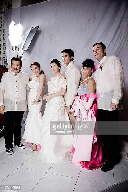 SANTOS MINDANAO PHILIPPINES ExPresident Joseph Estrada with actress Ai Ai delas Alas the Comedy Queen Toni Gonzaga actor Sam Milby and Mommy Dionisia...