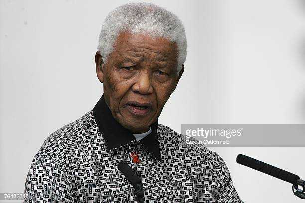 ExPresident of South Africa Nelson Mandela delivers a speech at the unveiling of his statue in Parliament square on August 29 2007 in London England...
