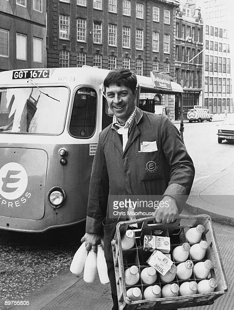 Express milkman Peter Hunt on his rounds 25th April 1978