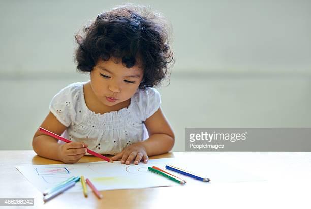 Expresar su creatividad a partir de una edad temprana