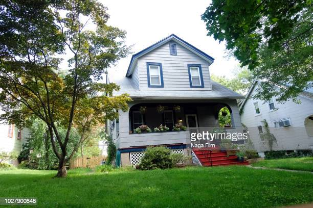 exterior during the day of a freestanding house. - home insurance stock pictures, royalty-free photos & images