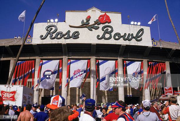 Exterior front entrance view of the Rose Bowl as fans enter the stadium for Super Bowl XXI between the New York Giants and the Denver Broncos at the...