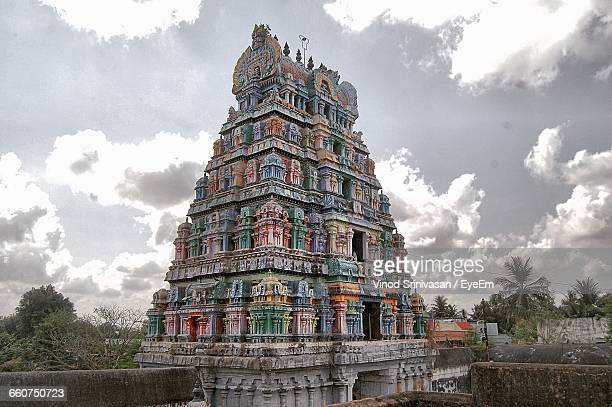 exterior of historic temple against sky - chennai stock pictures, royalty-free photos & images