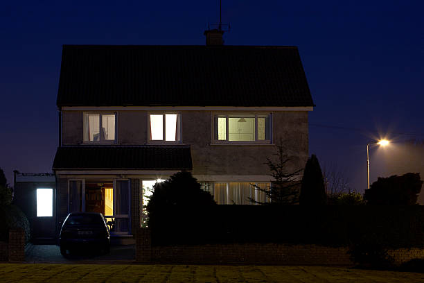 exterior of house, dusk - house evening stock pictures, royalty-free photos & images