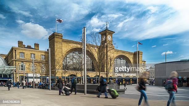 exterior of kings cross railway station, london - キングスクロス駅 ストックフォトと画像