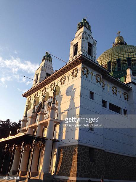 exterior of kirche am steinhof church - kirche stock pictures, royalty-free photos & images