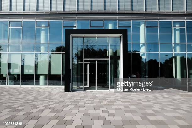 exterior of modern building - entrance stock pictures, royalty-free photos & images