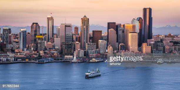 exterior of modern cityscape - washington state stock pictures, royalty-free photos & images