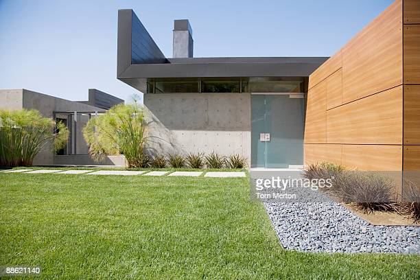 exterior of modern house - landscaped stock pictures, royalty-free photos & images