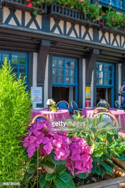 exterior of traditional restaurant, place du vieux marche, la couronne, rouen, normandy, france - rouen stock pictures, royalty-free photos & images