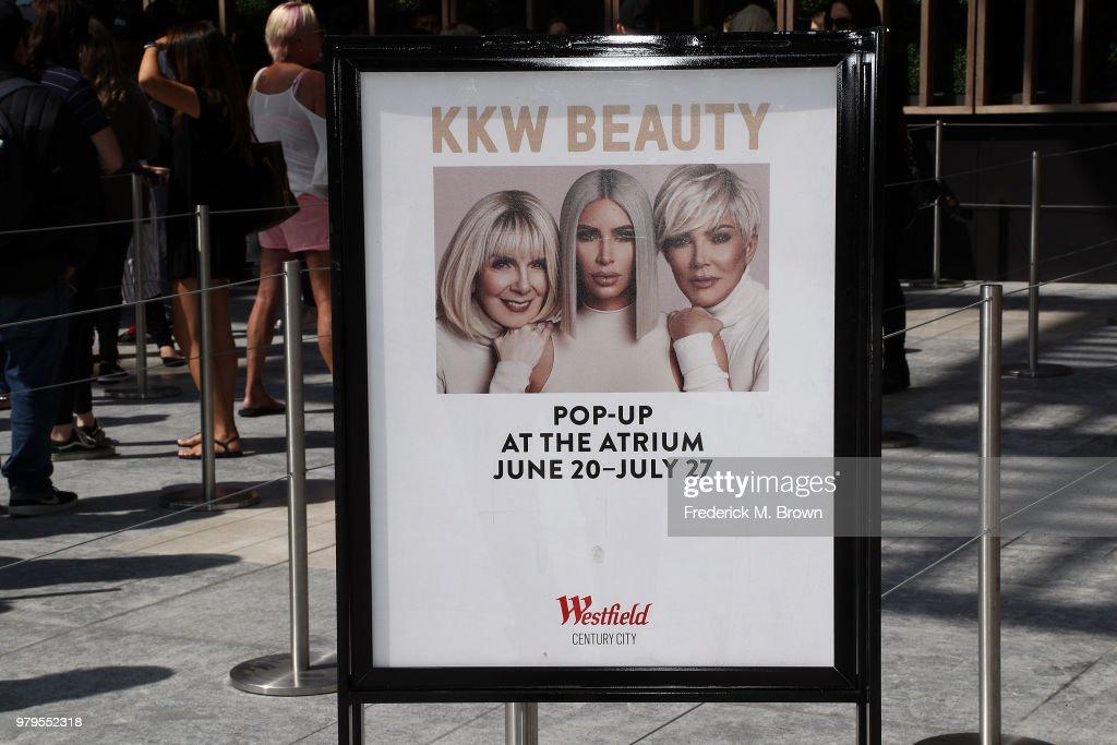 Kim Kardashian West's KKW BEAUTY Pop-Up Shop Opens To The Public In LA : News Photo