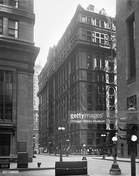 Exterior view of the Austin building at 111 West Jackson Boulevard, Chicago, Illinois, August 10, 1935.
