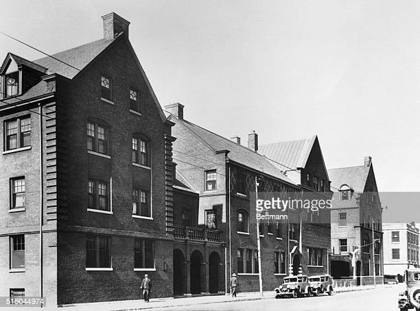Exterior view of the Hull House The founder of Hull House is Miss Jane Addams internationallyknown social worker