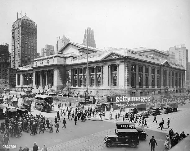 Exterior view of the main branch of the New York Public Library at the intersection of 42nd Street and Fifth Avenue in Midtown Manhattan New York...