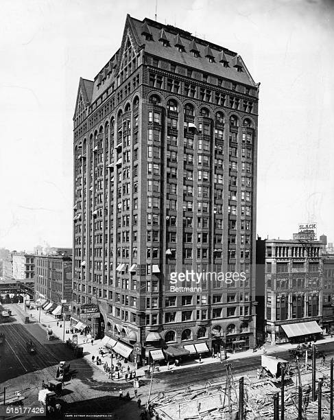 Exterior view of the Masonic Temple/Capitol Building at State and Randolph Streets in Chicago Illinois Built 189192 by Burnham and Root Architects...