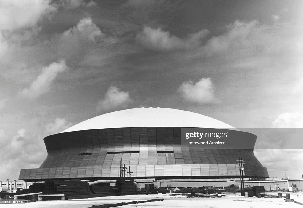 The Superdome : News Photo