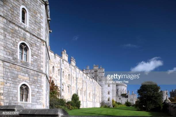 exterior walls of windsor castle, windsor, berkshire, england - windsor castle stock pictures, royalty-free photos & images