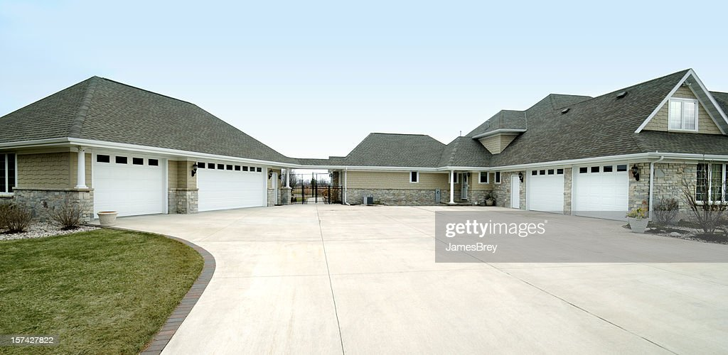 Extra Large Five Stall Garage, Gabled Roof, Concrete Drive Way : Stock Photo