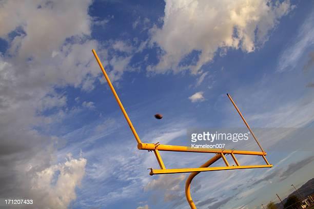 追加のポイント - アメリカンフットボールのフィールドゴール ストックフォトと画像