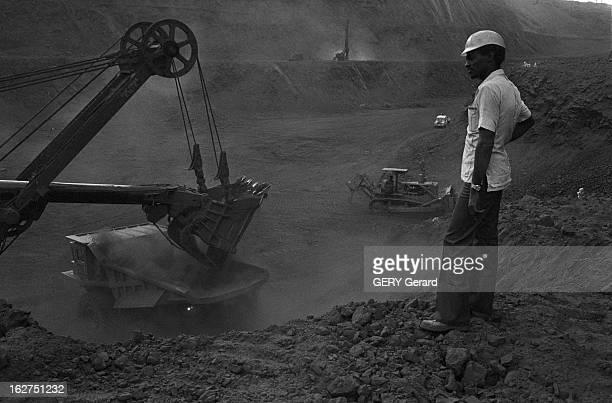 Extraction Of Iron Ore In Mauritania En Mauritanie en octobre 1977 La société Nationale Industrielle et Minière de Mauritanie exploite des gisements...