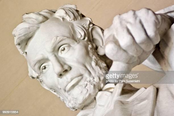 extreme close-up, lincoln memorial statue - inclinando se - fotografias e filmes do acervo