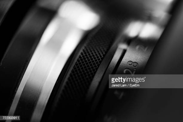 extreme close-up of camera - camera photographic equipment - fotografias e filmes do acervo