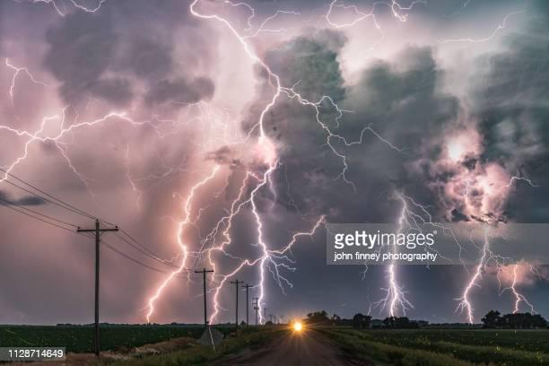 extreme lightning storm, nebraska. usa - clima - fotografias e filmes do acervo