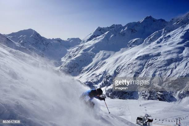 Extrem skidåkning i St. Anton, Österrike