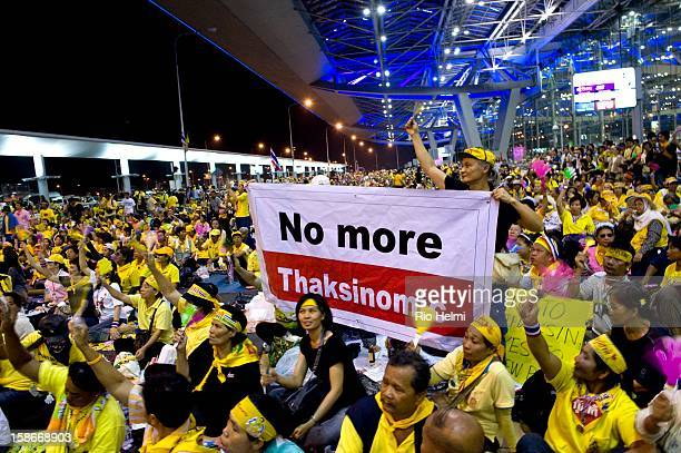 Exuberant supporters of the antigovernment People's Alliance for Democracy during the occupation of the international terminal at Suvarnabhumi...