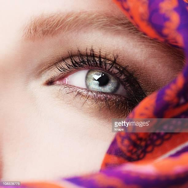 eye und vail - blaue augen stock-fotos und bilder