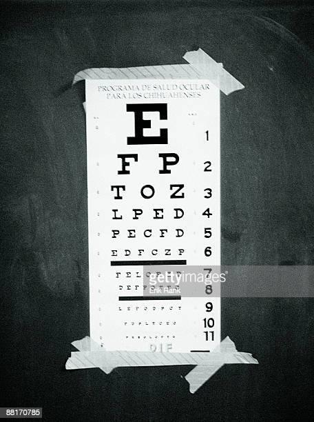 eye chart - eye test chart foto e immagini stock