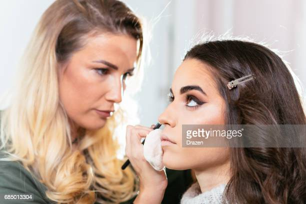 Eyeliner for better contouring
