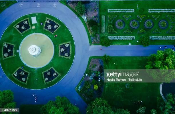 eye's bird view of carlton gardens and a fountain, victoria - carlton gardens stock pictures, royalty-free photos & images