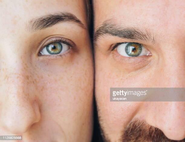 eyes of brother and sister - só adultos imagens e fotografias de stock