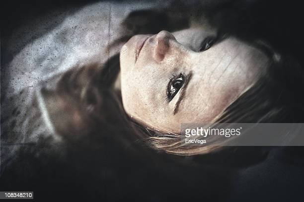 eyes open - dead woman stock pictures, royalty-free photos & images