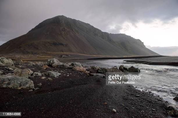 eystrahorn mountain, southeast of iceland - austurland stock-fotos und bilder