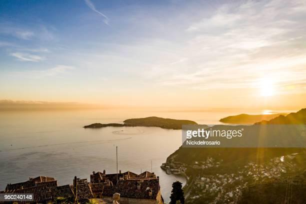 eze & méditerranée birds coucher de soleil eye view - eze village photos et images de collection