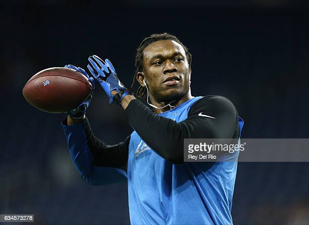 Ezekiel Ansah of the Detroit Lions warms up before the game against the Chicago Bears at Ford Field on December 11, 2016 in Detroit, Michigan.