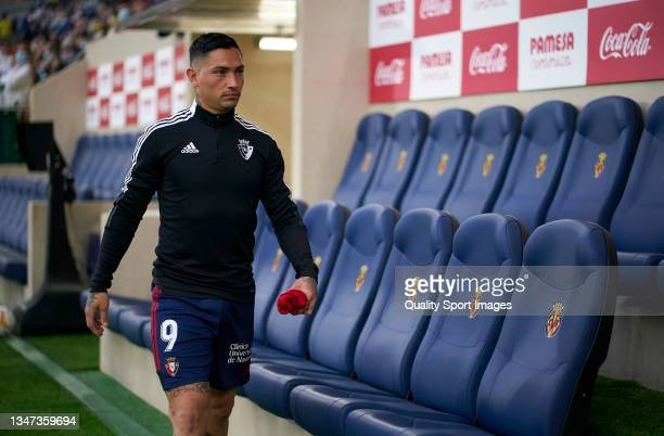 Ezequiel 'Chimy' Avila of CA Osasuna walks from the bench prior to the La Liga Santander match between Villarreal CF and CA Osasuna at Estadio de la...