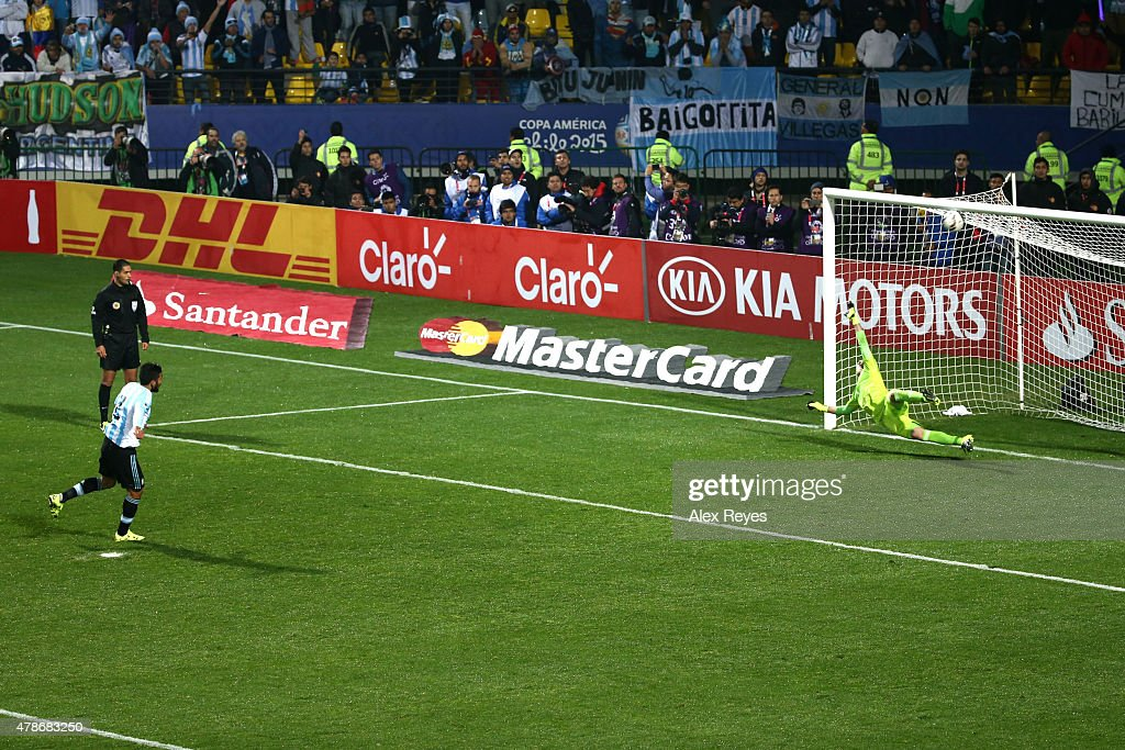 Ezequiel Garay of Argentina takes the second penalty kick in the penalty shootout during the 2015 Copa America Chile quarter final match between Argentina and Colombia at Sausalito Stadium on June 26, 2015 in Viña del Mar, Chile.