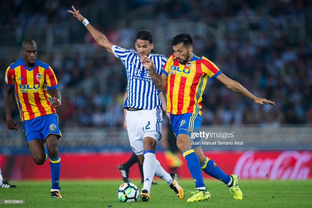 Real Sociedad v Valencia - La Liga : ニュース写真