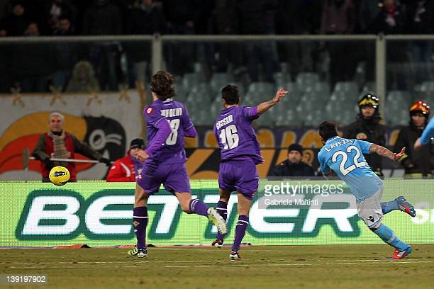 Ezequiel Ivan Lavezzi of SSC Napoli scores a goal during the Serie A match between ACF Fiorentina and SSC Napoli at Stadio Artemio Franchi on...