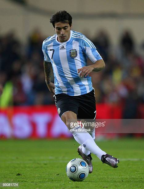 Ezequiel Lavezzi of Argentina in action during the friendly International football match Spain against Argentina at the Vicente Calderon stadium in...
