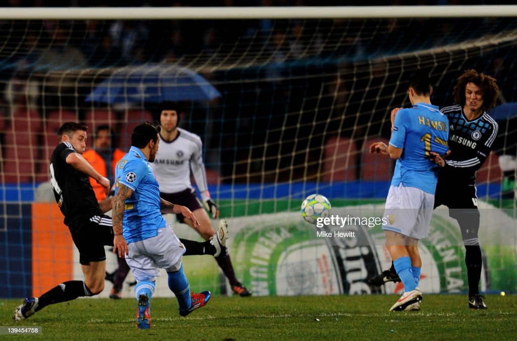 SSC Napoli v Chelsea FC - UEFA Champions League Round of 16 : News Photo