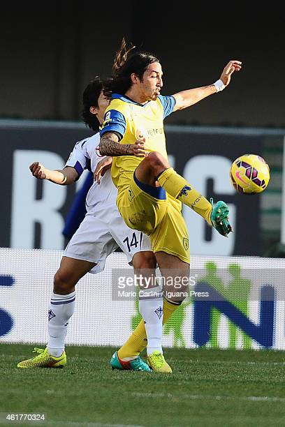Ezequiel Schelotto of AC Chievo Verona in action during the Serie A match between AC Chievo Verona and ACF Fiorentina at Stadio Marc'Antonio...