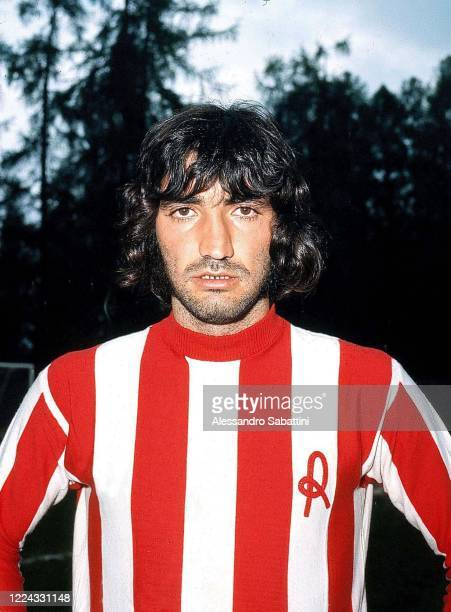 Ezio Vendrame of Vicenza poses for photo before the Serie A 197273 Italy