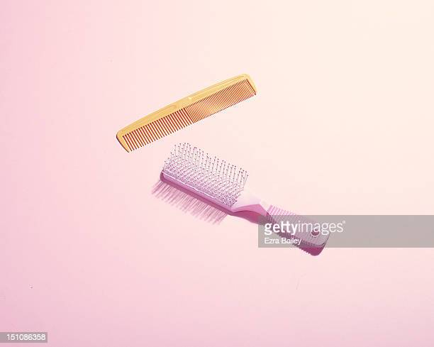 hair brush and comb - hairbrush stock pictures, royalty-free photos & images