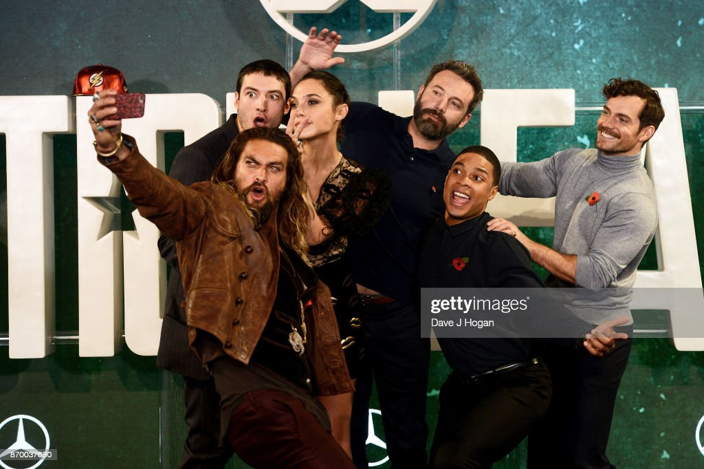 Ezra Miller, Jason Momoa, Gal Gadot, Ben Affleck, Ray Fisher and Henry Cavill attend the 'Justice League' photocall at The College on November 4, 2017 in London, England.