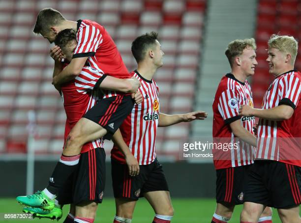 f Sunderland captain Tom Beadling s celebrates after he scored from the penalty spot for the second Sunderland goal during the Premier League...